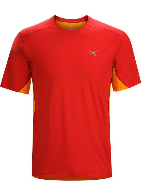 Accelero Comp SS Men's Lightweight, technical short sleeve men's shirt combines highly air permeable mesh across the back and shoulders and a smooth, comfortable moisture wicking fabric on the body.