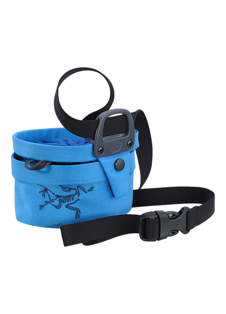 Aperture Chalk Bag - Small Twist closure chalkbag—the bag opens and closes with a twisting motion that seals chalk inside and shrinks the volume for easy transport.