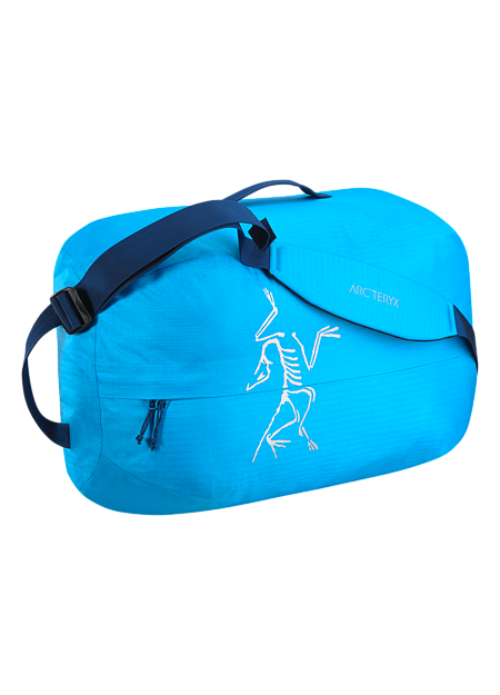 Carrier Duffle 35 Lightweight, highly water resistant, mid-size 36 litre duffle bag with removable, adjustable webbing shoulder straps.