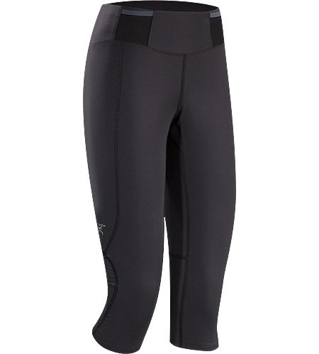 Soleus 3/4 Tight Femme Lightweight, 3/4 length, high performance race tight with multiple pockets on waist belt for carrying essential race items.