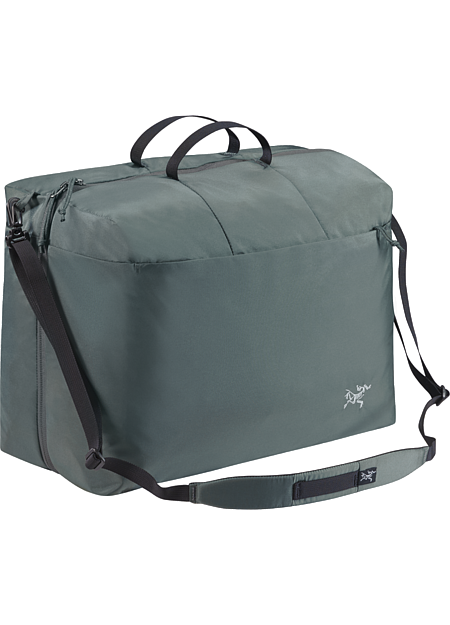 Index 10 + 10 Dual compartment bag/organizer with removable shoulder strap; to be used inside luggage or alone as a carry-on.