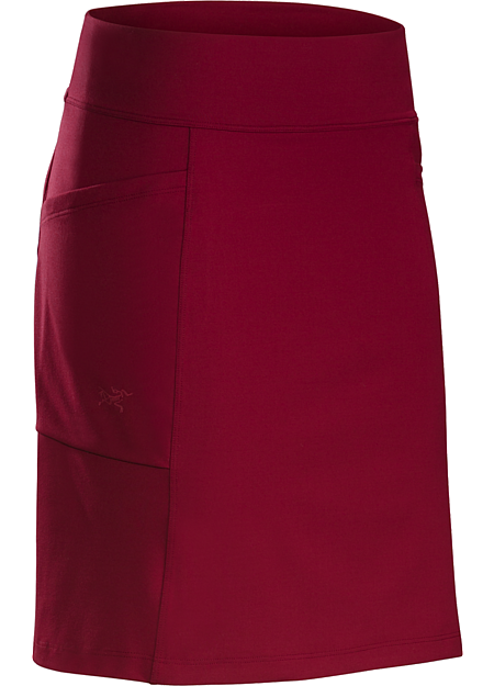 Roche Skirt Women's Casual, versatile knit skirt in a soft, comfortable, stretchy performance fabric. Ideal for everyday wear and travel.