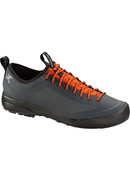 Advanced Arc'teryx footwear technologies combine in an exceptionally light, durable and comfortable shoe for technical approaches, day hikes and everyday wear. SL: Super light.