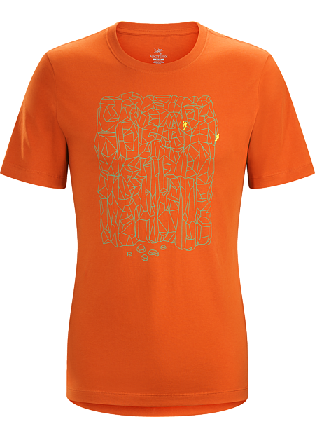 T-shirt with a climbing graphic made with organically grown cotton.