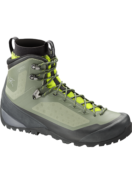 Next generation multiday hiking footwear with Arc'teryx Adaptive Fit, seamless thermolaminated upper, and the waterproof protection of GORE-TEX®.