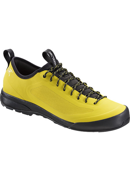 Acrux SL Approach Shoe Men's Advanced Arc'teryx footwear technologies combine in an exceptionally light, durable and comfortable shoe for technical approaches, day hikes and everyday wear. SL: Super light.