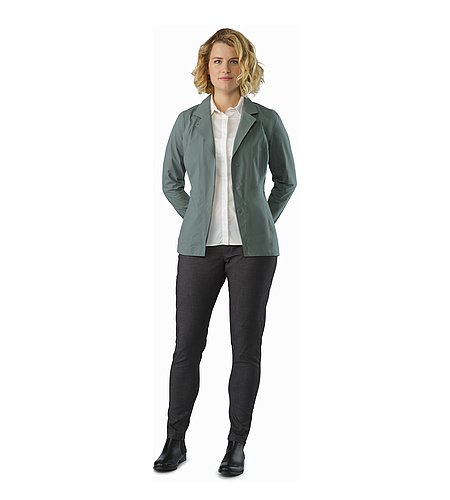 A2B Hardshell Blazer Women's Boxcar Front View
