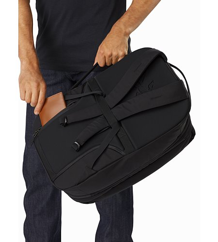 Blade 28 Backpack Black Back Panel Pocket
