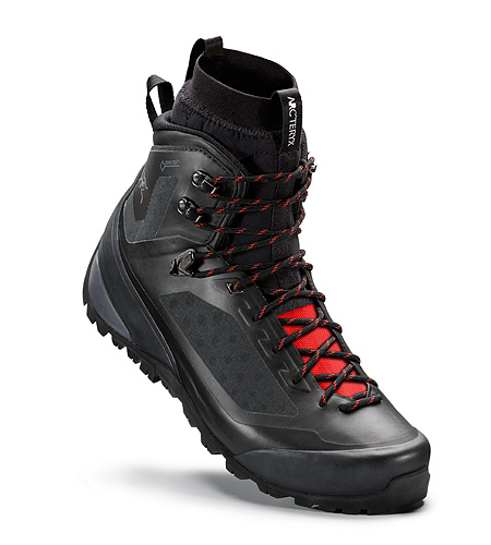 Bora2 Mid Hiking Boot Black Cajun Insulated Liner In Boot