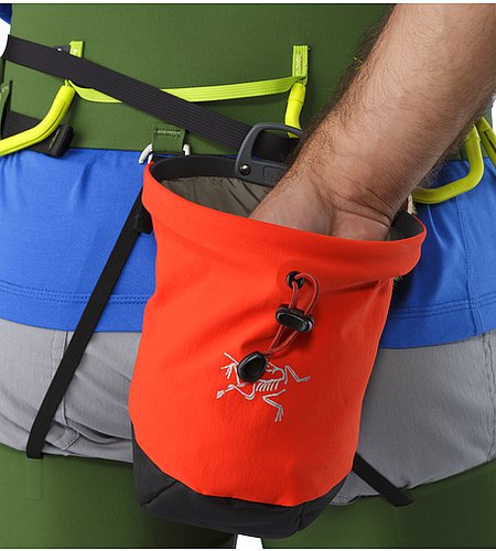 C80 Chalk Bag Magma Attached