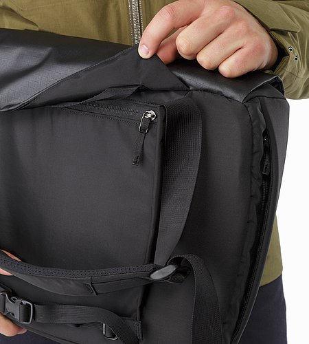 Fyx 13 Messenger Bag Black Back Panel Zipper