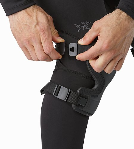 Knee Caps Black Adjuster